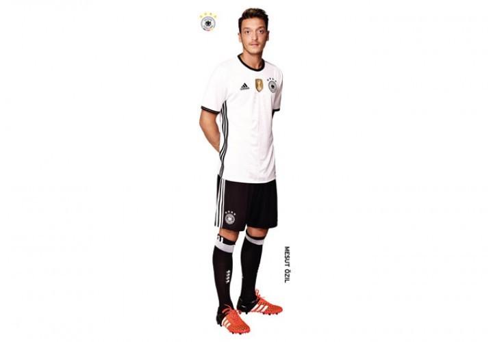 Deutschland Wandsticker XXL Mesut Özil