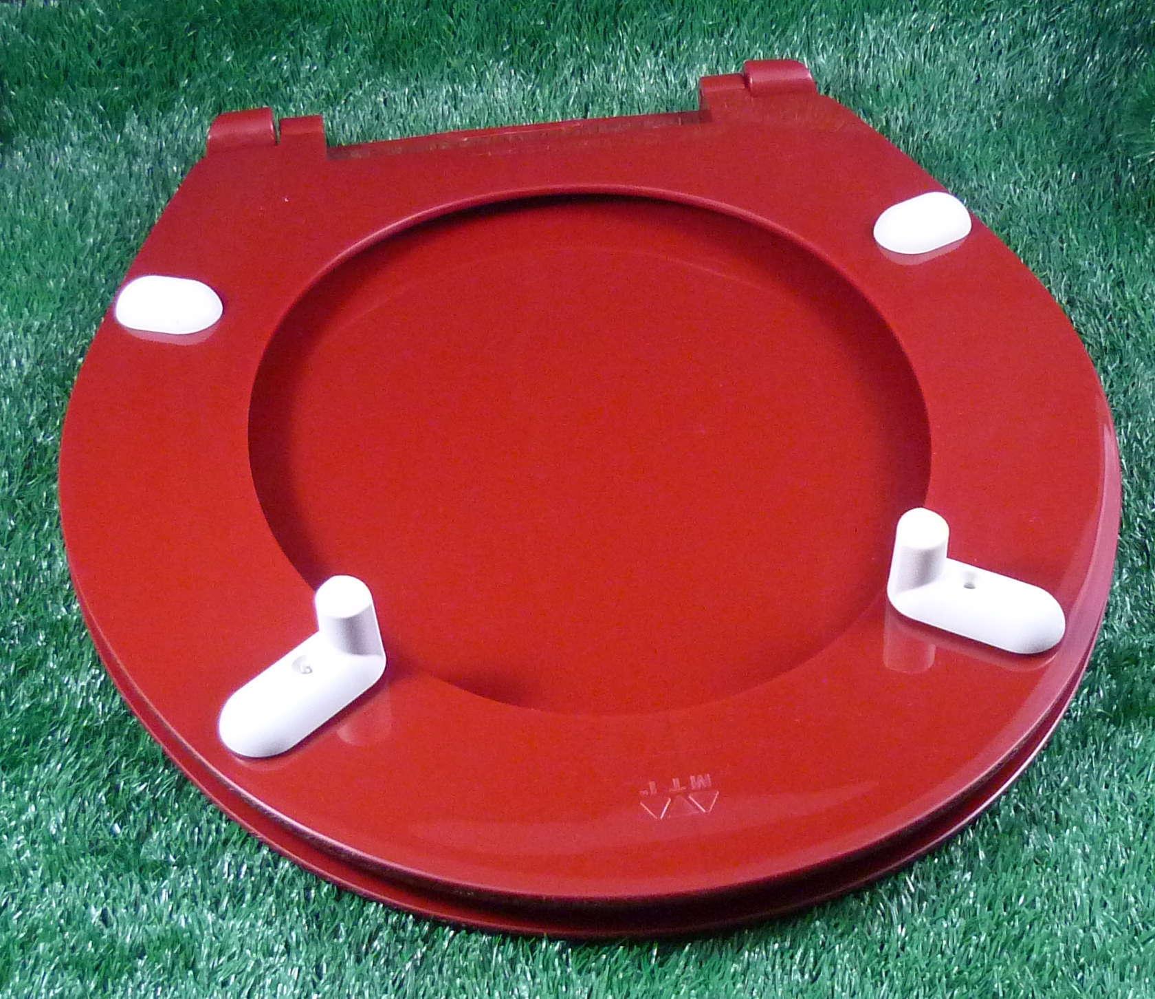 WC-Sitz rot: der Unzerbrechliche
